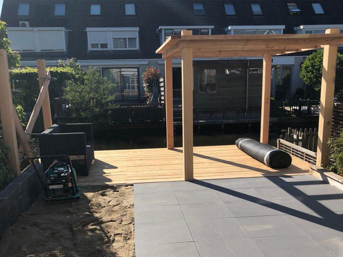 Vlonder-pergola-hekwerk-tuin-MartienvanZaal-Uithoorn03